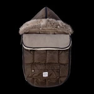 NWT 7 AM Enfant Le Sac Igloo 500 Stroller Blanket